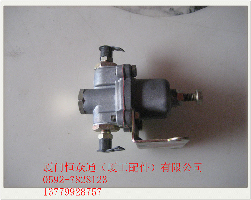 Xiamen loader forklift accessories XG915XG916XG918XG920 air compressor pressure regulating valve safety valve