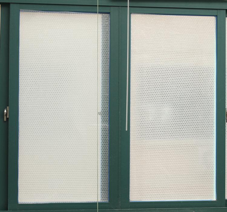 электростатический стекло теплоизоляции фильм без клея зимой теплой и холодной зимой теплоизоляции фильм окна прозрачной двери и окна стекла, фильм