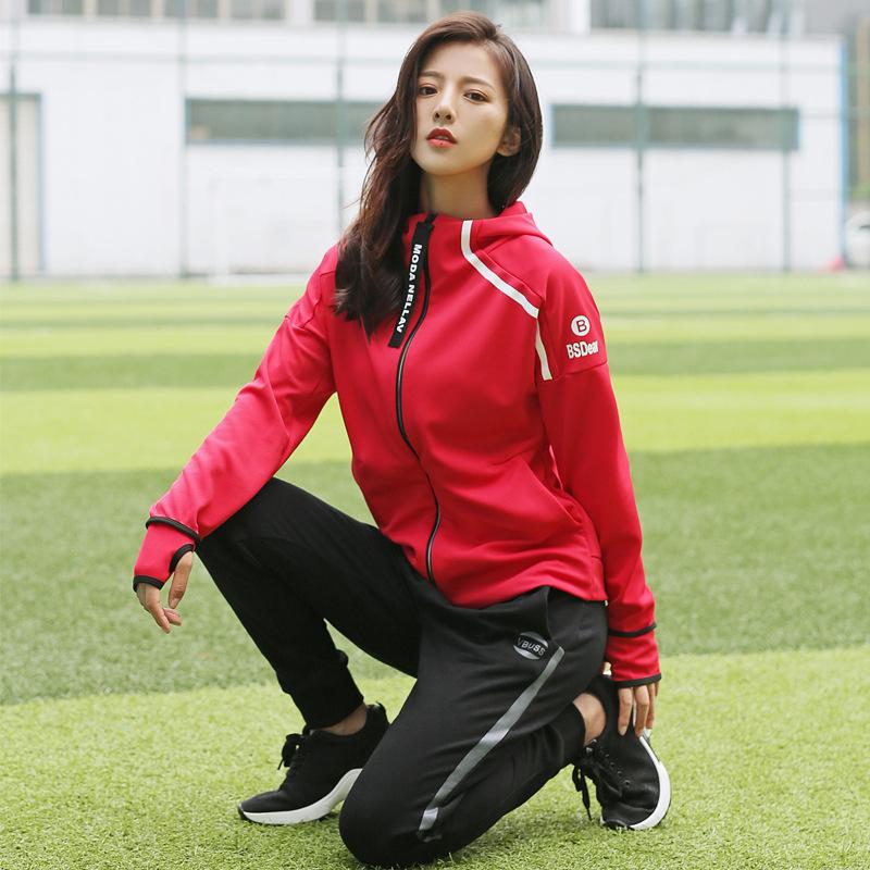 韓国のヨガ服の2017の新型のフィットネス服の女子は秋冬はゆったりして戸外で運動して運動して運動するスーツを走っています