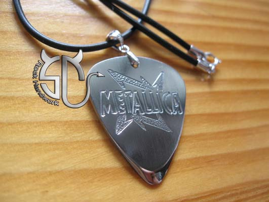 Metallica hand carving stainless steel guitar pick