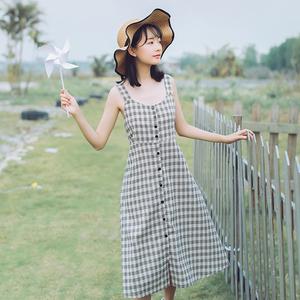 2018夏季新款小清新甜美格子连衣裙单排扣中长款学院风背带吊带裙