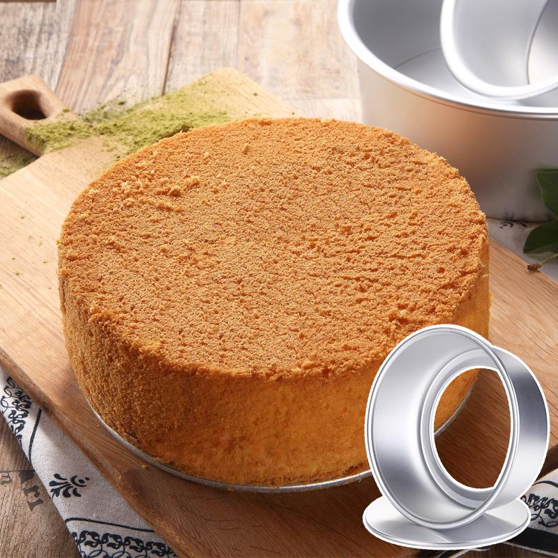 Torta di pane, Biscotti e Torte di strumenti rivestiti rivestiti di stampo ingredienti principianti Forno domestico.