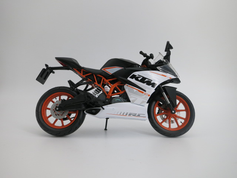 Shipping: 00 locomotive model decoration ornaments static simulation model of motorcycle