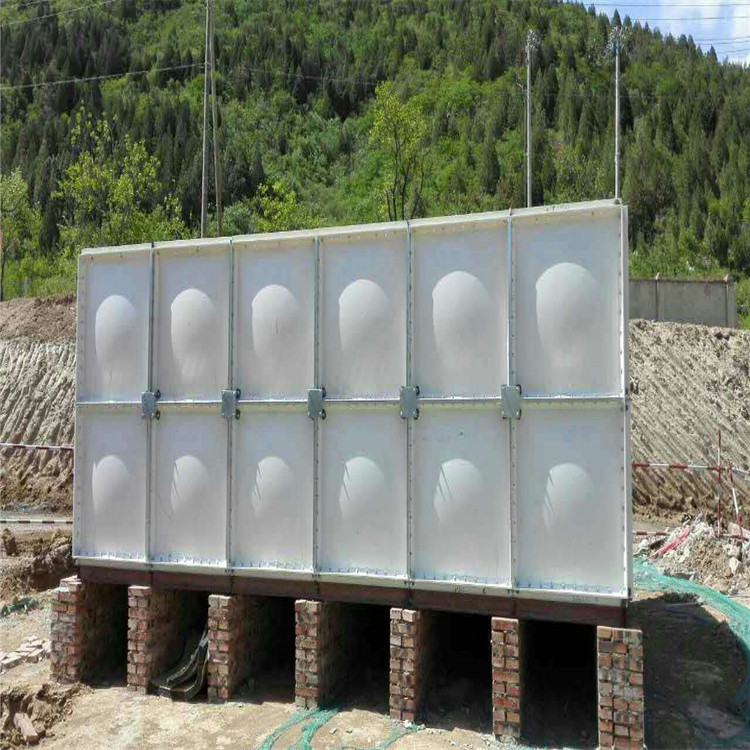 ขายโรงงาน FRP แม่พิมพ์แผ่นกันน้ำน้ำถังเก็บน้ำสแตนเลสหลังคาสีเขียวประกอบ