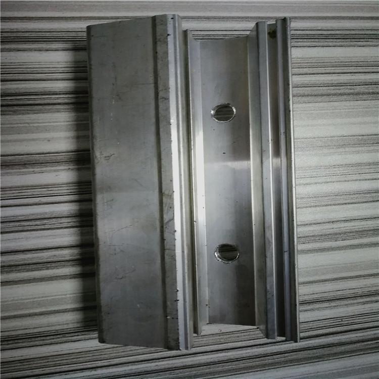 Estrusione di Alluminio su misura di apertura, lo sviluppo e La produzione di profilati di Alluminio a forma di elaborazione di Profili di Alluminio di Lega di Alluminio.