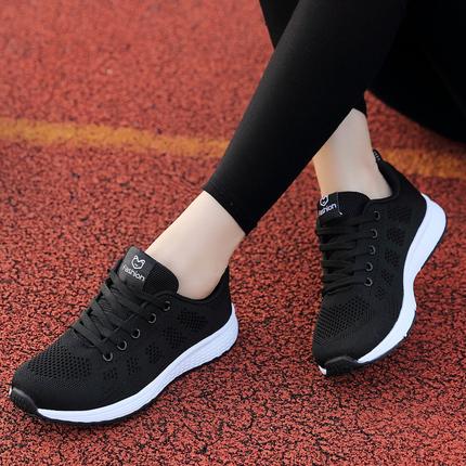 夏季女鞋新款百搭透气网面韩版轻便跑步休闲运动旅游学生黑色单鞋