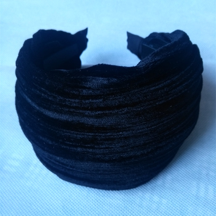 Korean all-match winter down hair cashmere fold belt tooth super heavy head hoop hoop broadside slip hairpin in South Korea