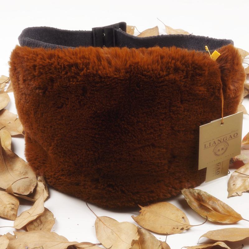 De winter van de riem van de opwarming van de aarde een warm huis van wol in de herfst en winter met bewijs van bescherming van de opwarming van de aarde de buik van mannen en vrouwen