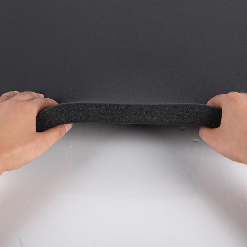 プラスチック板屋根の壁の保温する断熱綿自粘防音消音フェルト箔の日焼け止め難燃保温材料