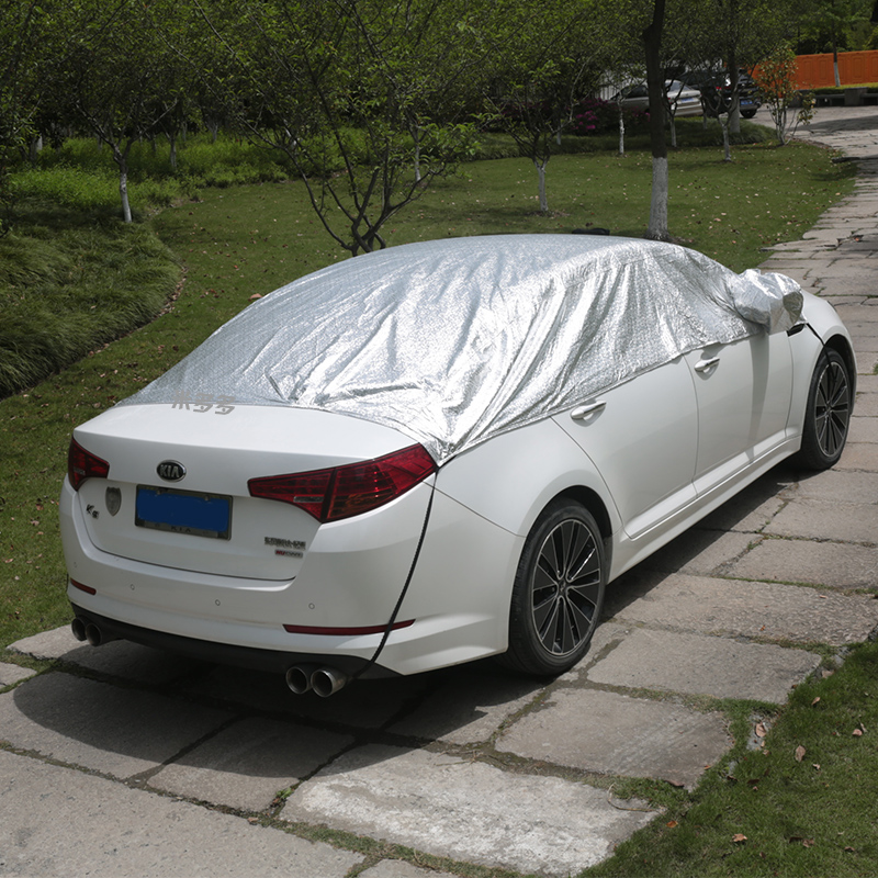 auto auto päikese eest, mis kajastab juhatuse pühendunud soojusisolatsiooni riie, päike, tuuleklaasi akna poole, ülehomme.