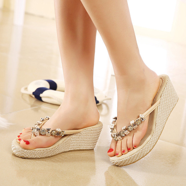 2017 summer new Korean beaded diamond clip toe slope with pine cake bottom black apricot high-heeled sandals