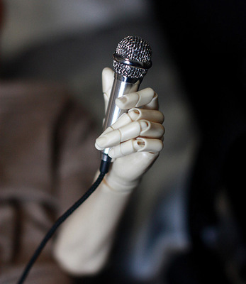 taobao agent 3 points. SD17. Uncle BJD. SD joints can be held by hand, roaring props, microphone/microphone/accessories