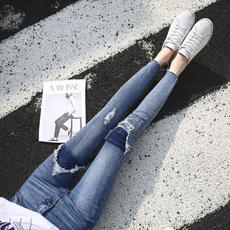 浅色港味假破洞牛仔裤女小脚2018夏季新款韩版chic显瘦九分铅笔裤