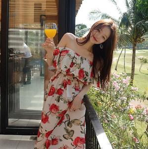 韩国 垂坠感碎花一字肩露锁骨清新度假花朵连衣长裙 现货