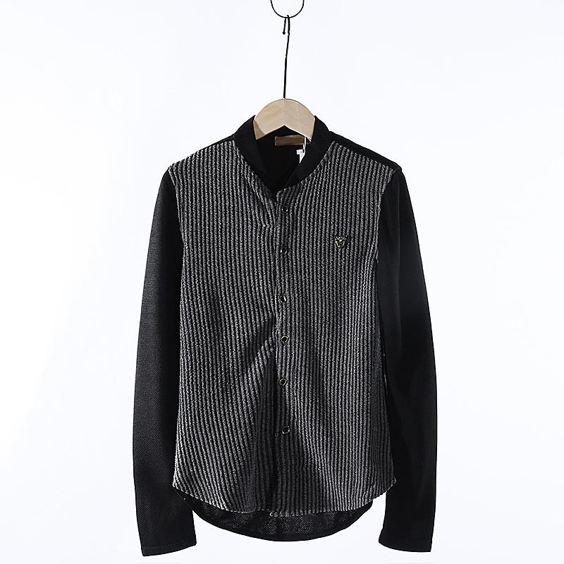 Thời trang thủy triều nam rỗng móc hoa sọc phía trước và ngược lại màu sắc bóng chày cổ áo giản dị căng mỏng dài- tay áo len cardigan