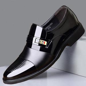 新款男士皮鞋男真皮透氣商務正裝皮鞋男休閑鞋真皮套腳上班鞋