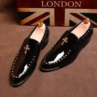 Giày mũi nhọn nam mới, nhà tạo mẫu tóc, xu hướng mùa thu, giày nam, phiên bản Hàn Quốc, kinh doanh bình thường, da sáng, giày nhỏ của Anh