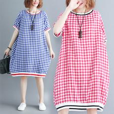 9071圆领短袖文艺复古休闲宽松甜小美清新格子连衣裙限价加8元