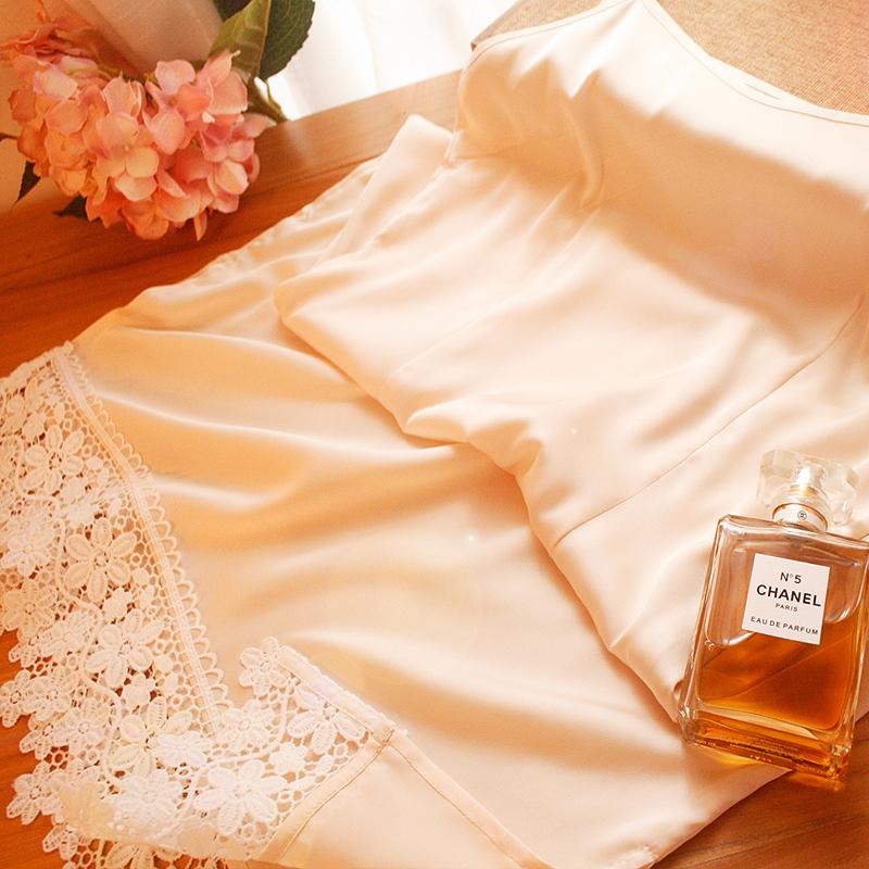 依依家的百搭旗袍 露花朵蕾丝边可调节肩带打底裙衬裙吊带长裙