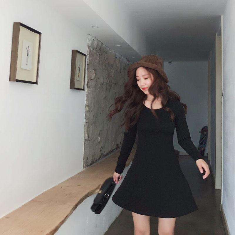 象牙夫人自制秋冬新款长袖纯棉修身打底连衣裙收腰显瘦弹力小黑裙