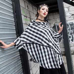 欧美2019夏新款女装宽松格子衬衫大码个性一字领不规则拼接上衣潮