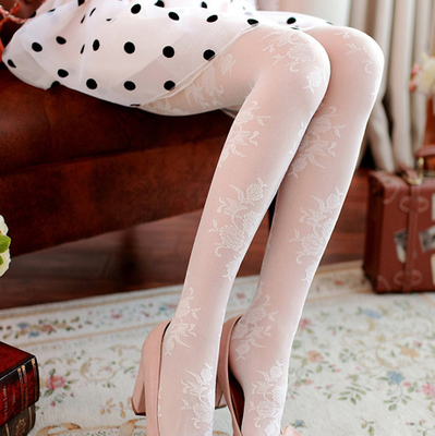 taobao agent Japanese white stockings retro carved fishnet stockings female princess lace stockings spring and autumn bottoming ultra-thin anti-hook silk pantyhose