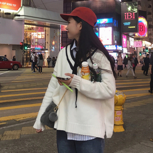 Mùa thu và mùa đông mới của Hàn Quốc phiên bản của các trường đại học gió hem chia lỏng hoang dã sọc V-Cổ áo thun áo len nữ sinh viên áo sơ mi