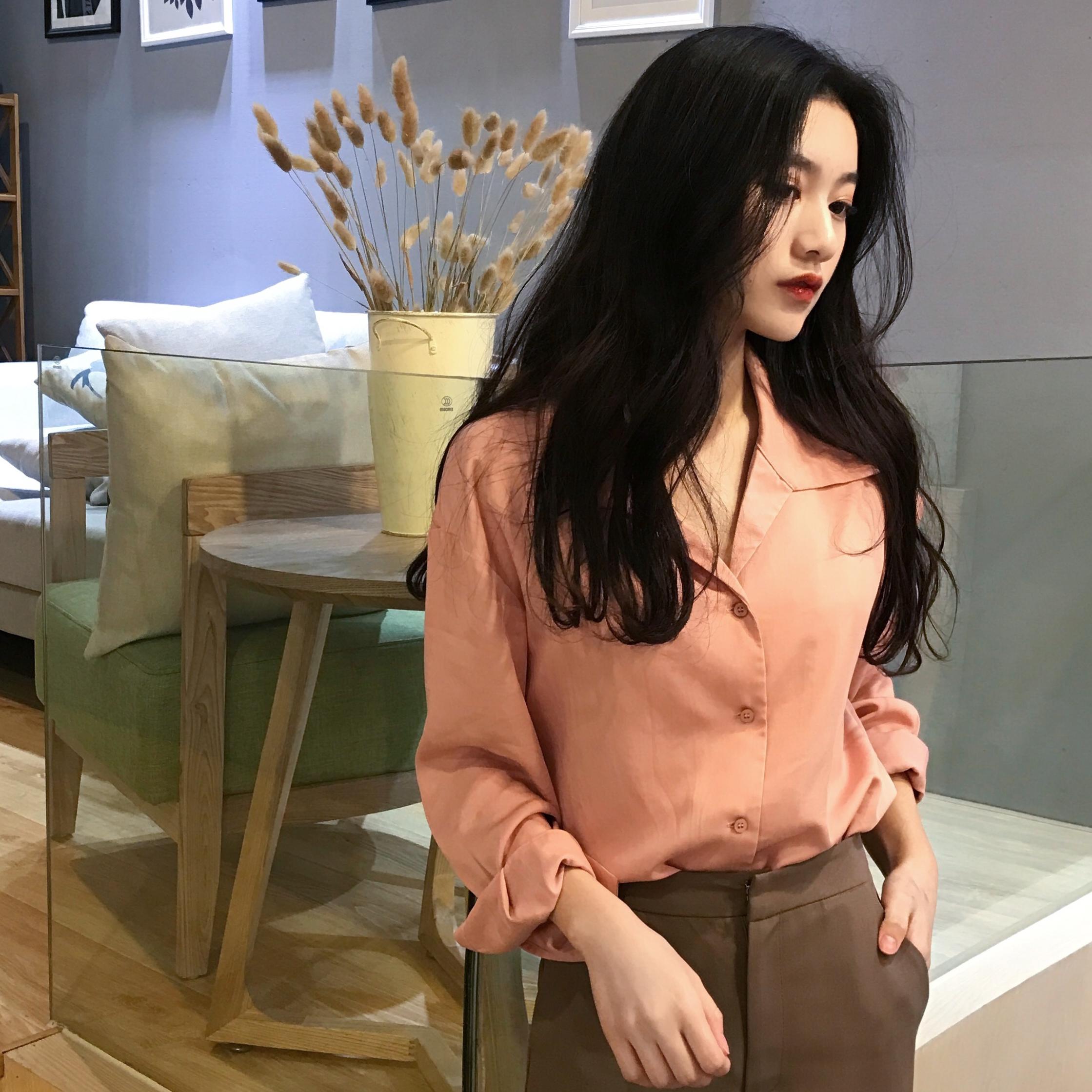 春装新款女韩国简约纯色V领直筒百搭显瘦长袖排扣衬衫女上衣