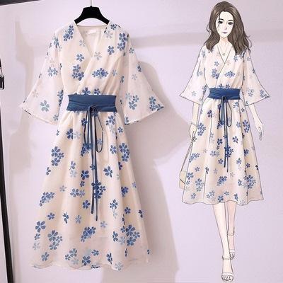 蓝色法式温柔小碎花连衣裙2021年新款女夏季收腰初恋复古茶歇裙子的图片来自淘券快报,领券宝