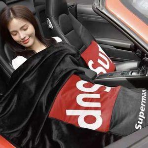 汽车抱枕被子两用午睡车载毯子腰靠垫靠枕空调被多功能沙发枕头被