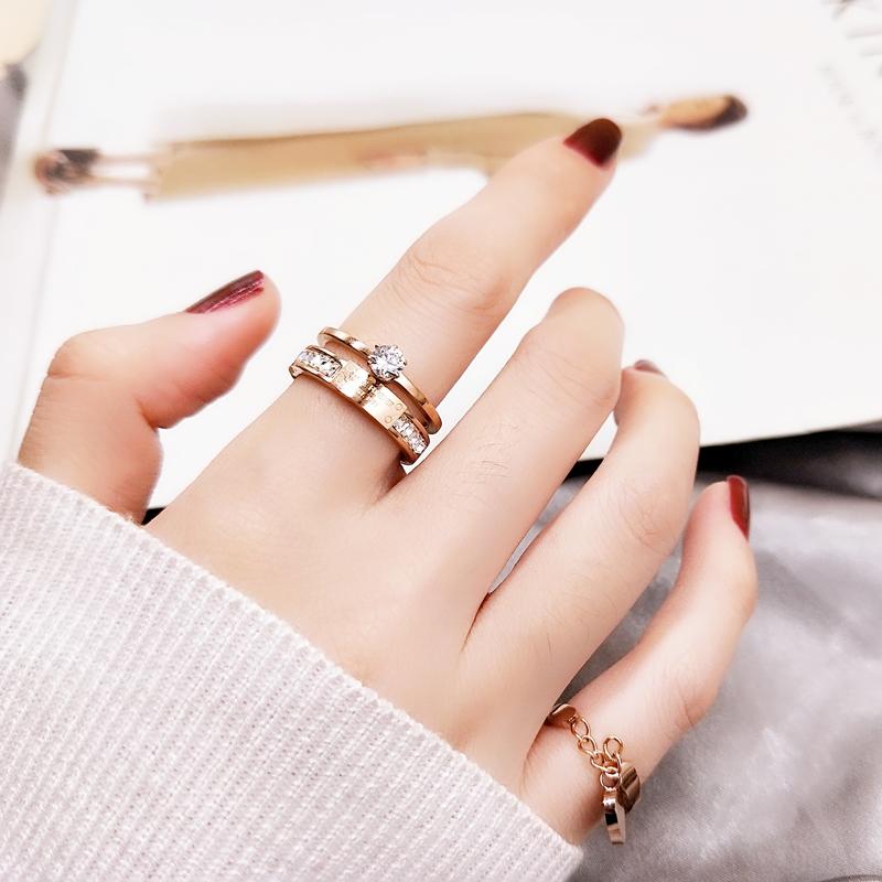 некоторых картинки красивая женская рука с кольцом установке таких