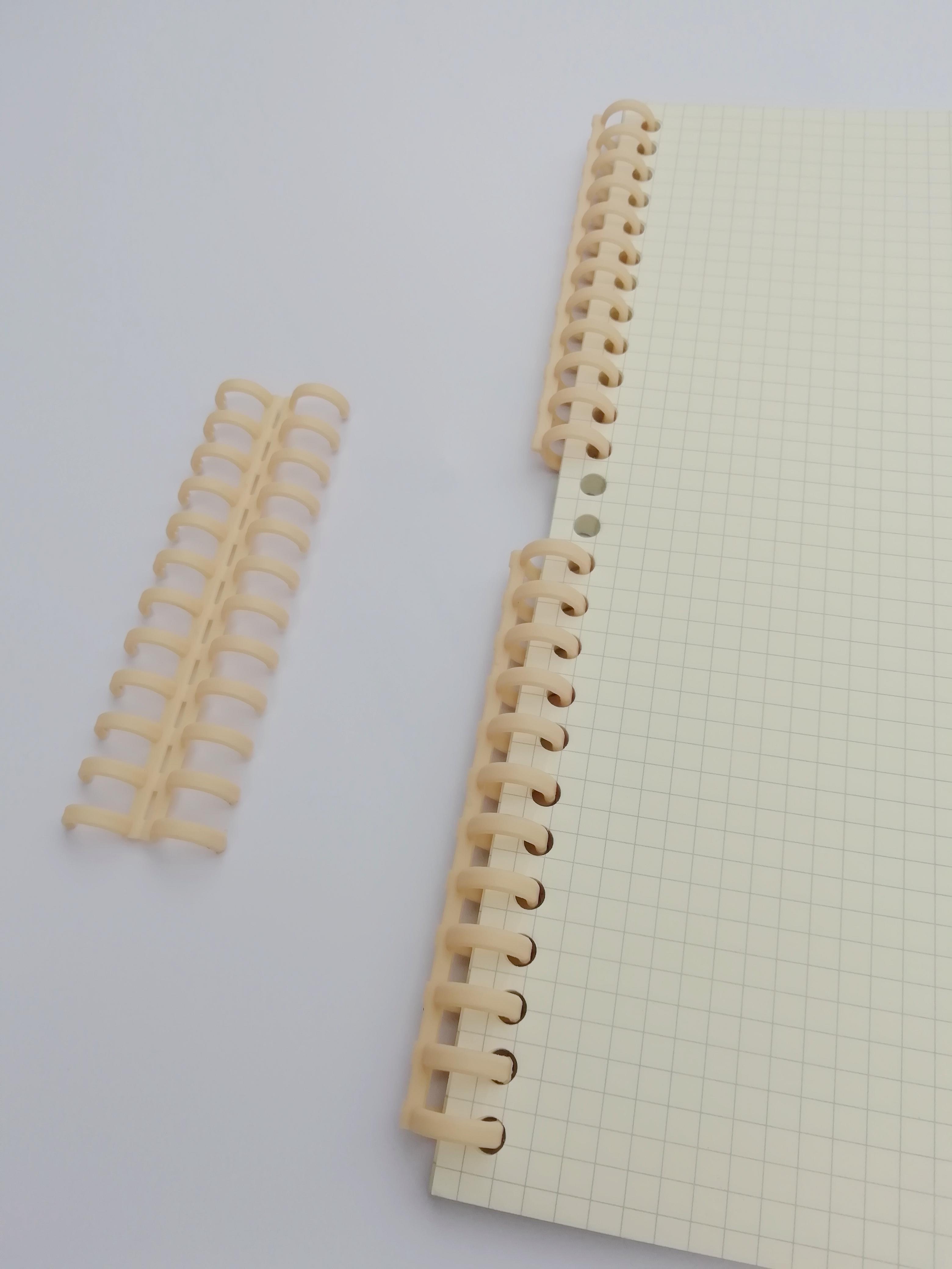 12孔12mm塑料活页圈 适配道林纸咖路打孔器 可剪循环使用 40条