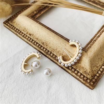 韩国小众设计感耳挂式半弧形珍珠耳环优雅小珍珠镶边耳饰女人复古