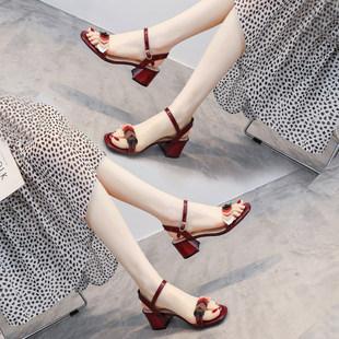 Натуральная кожа сандалии женщина 2021 лето новый фея ветер в среде толстая мода слово с мягким конец уютный на высоких кабгалстук-бабочкаах
