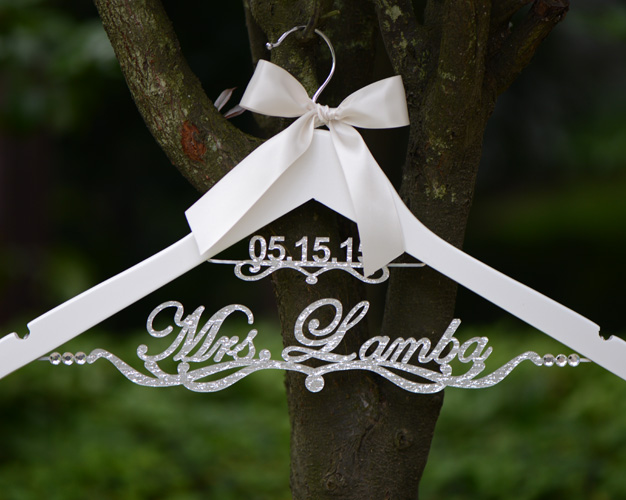 Wedding Hanger新娘字母名字订定制衣架新婚伴娘结婚礼物拍照道具