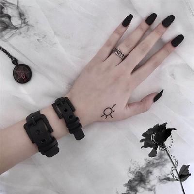 樱田川岛INS原宿暗黑情侣表带手环PVC个性style朋克装饰手链