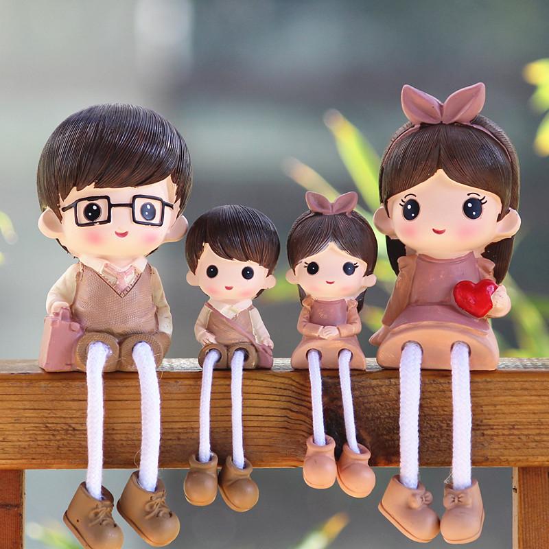 客厅电视柜婚庆装饰礼品小摆件四口卡通吊脚娃娃创意家居装饰摆件